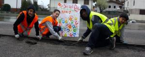 I volti del Social Day, scuola di solidarietà (e la pioggia ci fa ridere)